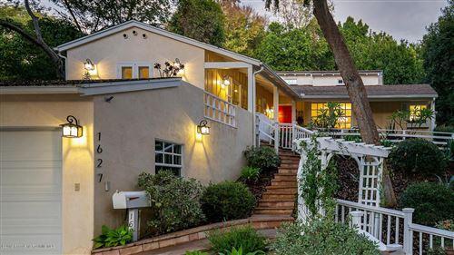 Photo of 1627 LA LOMA Road, Pasadena, CA 91105 (MLS # 819005190)