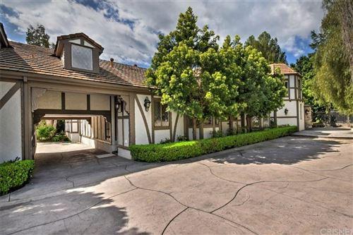 Photo of 5544 HOBACK GLEN Road, Hidden Hills, CA 91302 (MLS # SR20046191)