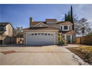 Photo of 28832 SHADYVIEW Drive, Canyon Country, CA 91387 (MLS # SR18015194)