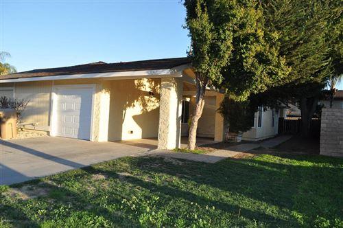 Photo of 566 West SANTA BARBARA Street, Santa Paula, CA 93060 (MLS # 220001196)