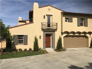 Photo of 130 MAYFLOWER ST, Thousand Oaks, CA 91360 (MLS # SR17257196)