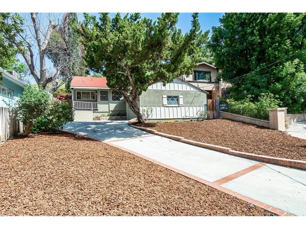 Photo for 21815 SAN MIGUEL Street, Woodland Hills, CA 91364 (MLS # SR18083200)