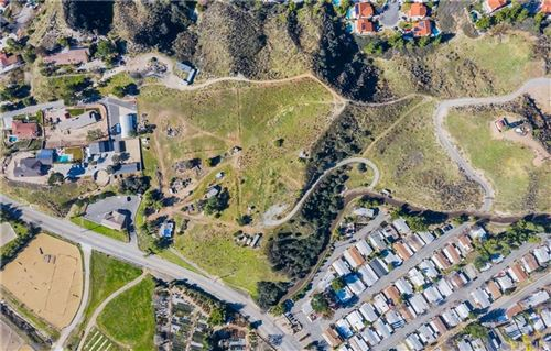 Photo of 28913 BOUQUET CANYON Road, Saugus, CA 91390 (MLS # SR20015202)