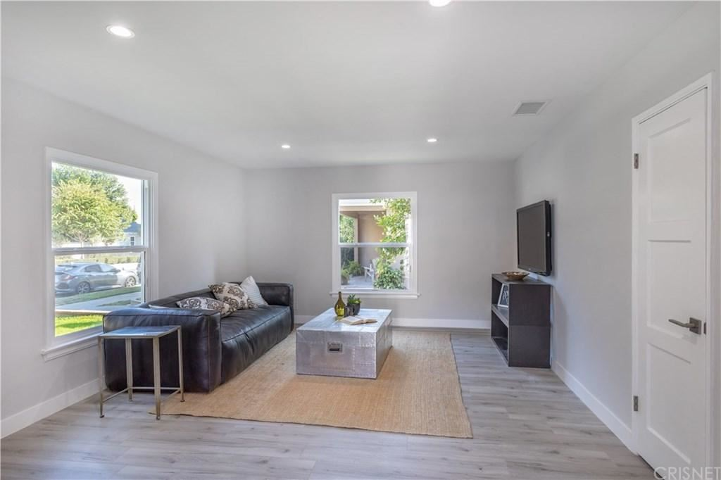 Photo of 5447 TROOST Avenue, Valley Village, CA 91601 (MLS # SR19241203)