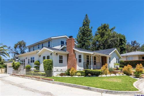 Photo of 1633 ORANGE TREE Lane, La Canada Flintridge, CA 91011 (MLS # 320000205)