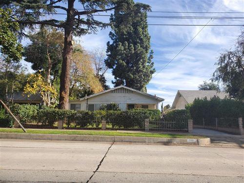 Photo of 160 ALTADENA Drive, Pasadena, CA 91107 (MLS # 820000205)