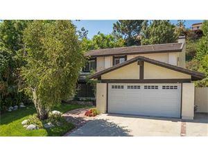 Photo of 24558 GARDENSTONE Lane, West Hills, CA 91307 (MLS # SR18223205)