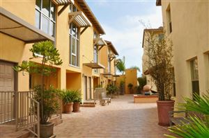 Photo of 285 North VENTURA Avenue #8, Ventura, CA 93001 (MLS # 218006210)