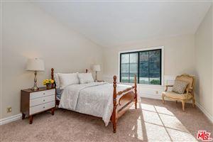 Tiny photo for 5247 CALDERON Road, Woodland Hills, CA 91364 (MLS # 19454218)