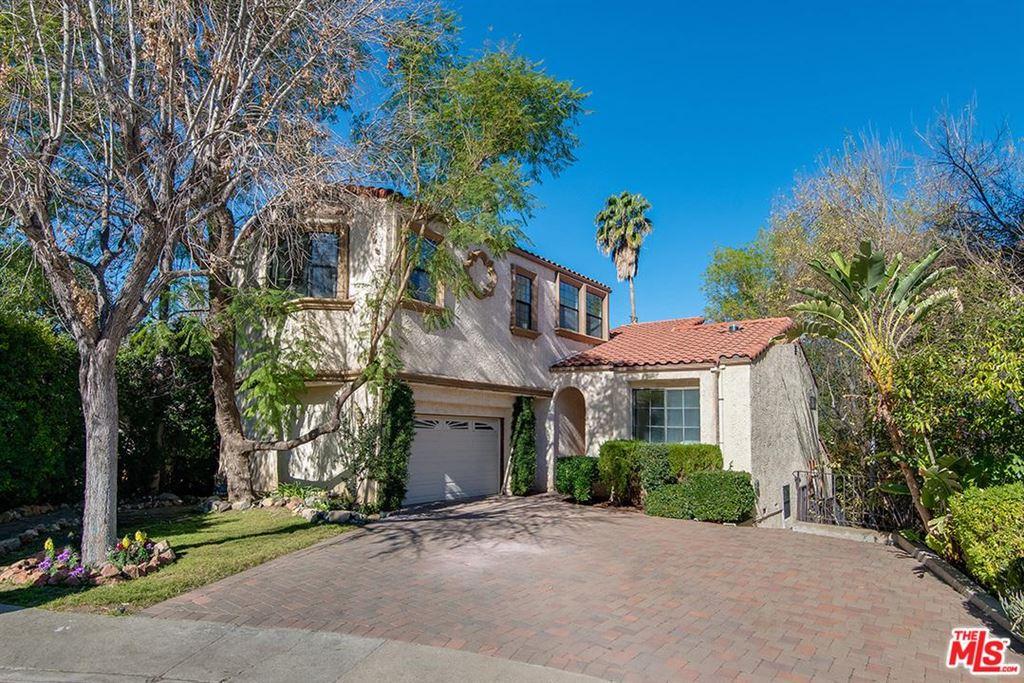 Photo for 5247 CALDERON Road, Woodland Hills, CA 91364 (MLS # 19454218)