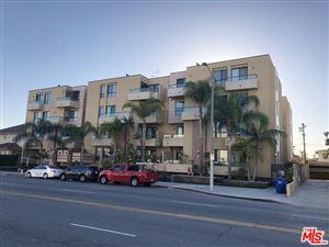 Photo of 871 CRENSHAW #305, Los Angeles , CA 90005 (MLS # 18336222)