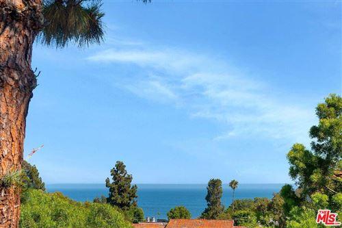 Photo of 28330 REY DE COPAS Lane, Malibu, CA 90265 (MLS # 19528222)