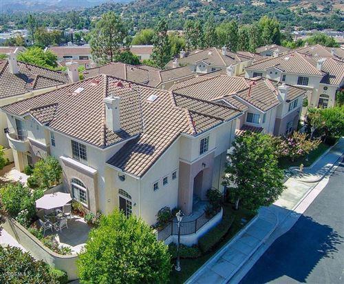 Photo of 382 AVENIDA DE ROYALE, Thousand Oaks, CA 91362 (MLS # 219013223)