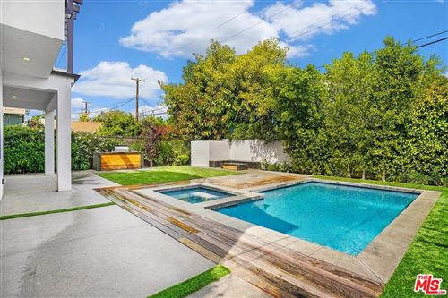 Photo of 14717 MCCORMICK Street, Sherman Oaks, CA 91411 (MLS # 20564224)