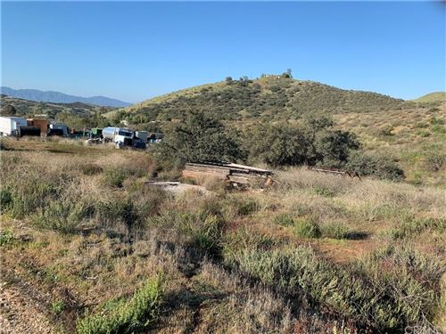 Photo of 0 VAC/SKIFF RD/VIC COUNTRY Way, Agua Dulce, CA 91350 (MLS # SR20065224)