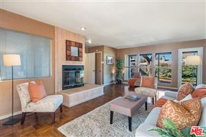 Photo of 8137 BIANCA Avenue, Northridge, CA 91325 (MLS # 19434230)