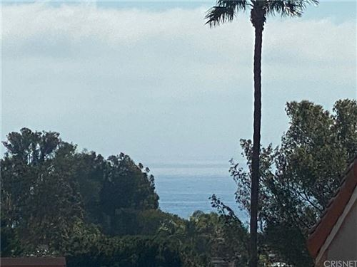 Photo of 28394 REY DE COPAS Lane, Malibu, CA 90265 (MLS # SR20019230)