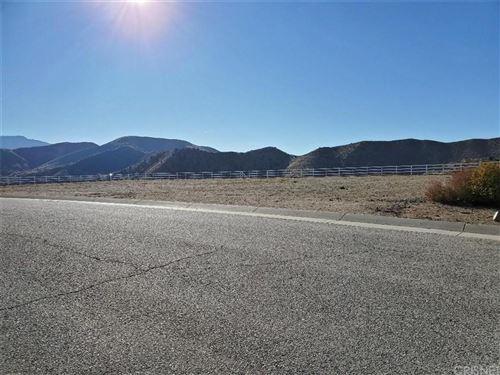 Photo of 32155 CAMINO CANYON RD., Acton, CA 93510 (MLS # SR19283232)