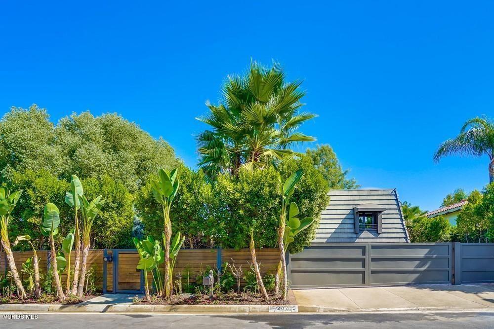 Photo for 20715 DEFOREST Street, Woodland Hills, CA 91364 (MLS # 220003237)