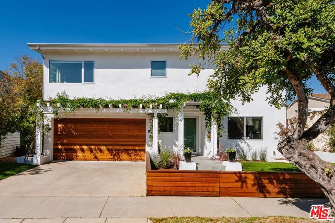 Photo of 645 LAS LOMAS Avenue, Pacific Palisades, CA 90272 (MLS # 20558242)