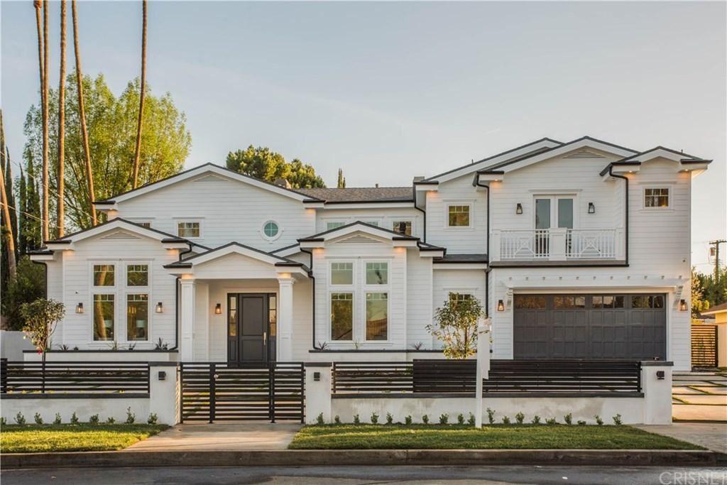 Photo of 19722 HENSHAW Street, Woodland Hills, CA 91364 (MLS # SR20017243)