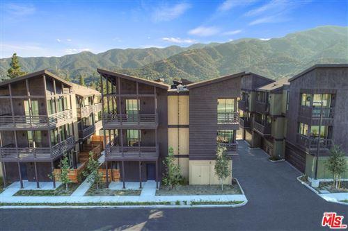 Photo of 4201 PENNSYLVANIA Avenue #H2, La Crescenta, CA 91214 (MLS # 19507246)