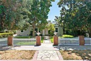 Photo of 13440 ERWIN Street, Valley Glen, CA 91401 (MLS # SR19182247)