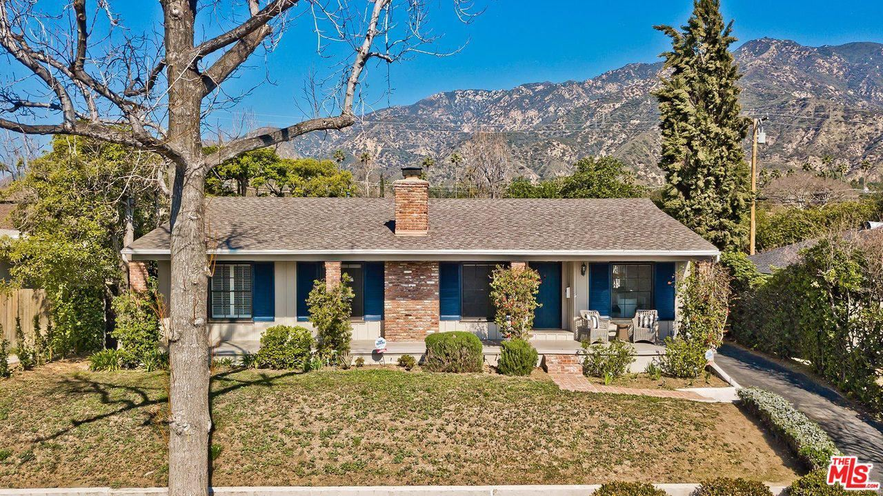 Photo of 1673 East CALAVERAS Street, Altadena, CA 91001 (MLS # 20555248)