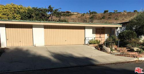 Photo of 6316 PASEO CANYON Drive, Malibu, CA 90265 (MLS # 19523252)