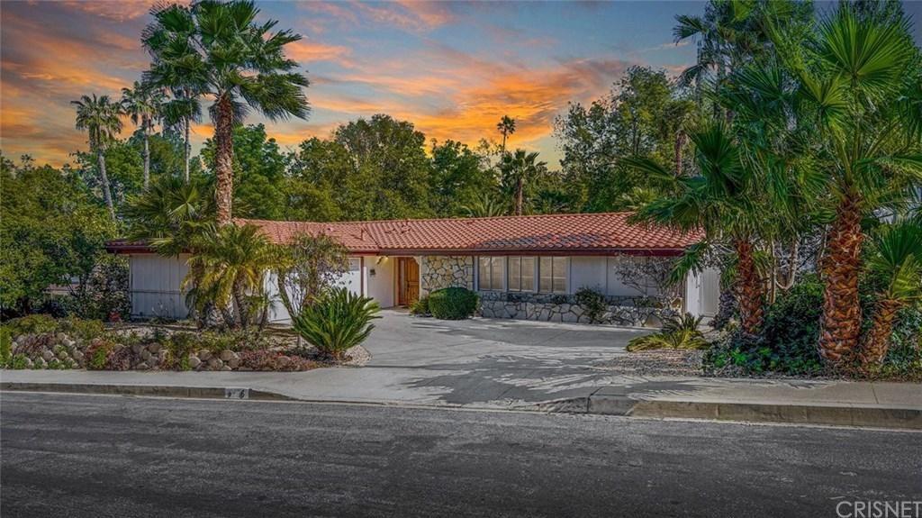 Photo of 5736 WALLIS Lane, Woodland Hills, CA 91367 (MLS # SR20037252)
