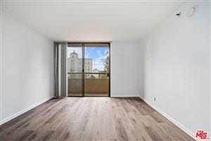 Photo of 600 West 9TH Street #802, Los Angeles , CA 90015 (MLS # 18318254)