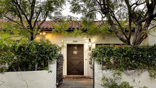 Photo of 1470 POPPY PEAK Drive, Pasadena, CA 91105 (MLS # 820000260)
