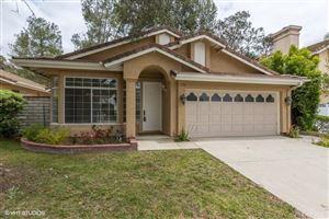 Photo of 534 TIMBERWOOD Avenue, Thousand Oaks, CA 91360 (MLS # SR18123267)