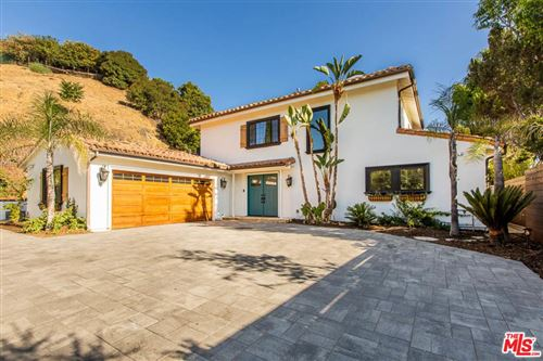 Photo of 11039 WRIGHTWOOD Place, Studio City, CA 91604 (MLS # 19508268)