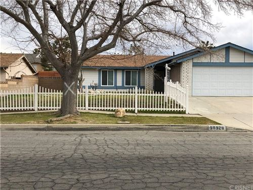 Photo of 39320 WILLOWVALE Road, Palmdale, CA 93551 (MLS # SR19271268)