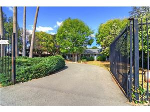 Photo of 22745 ERWIN Street, Woodland Hills, CA 91367 (MLS # SR18038270)