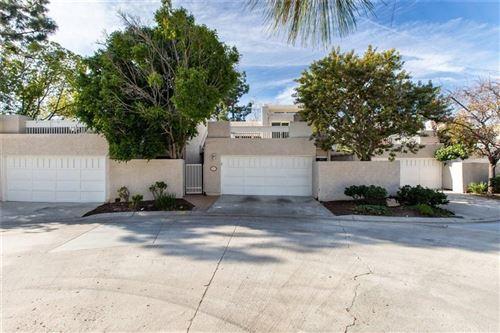 Photo of 610 TREE TOP Lane, Thousand Oaks, CA 91360 (MLS # SR20006271)