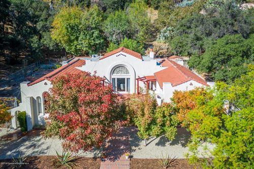 Photo of 2511 HERMOSITA Drive, Glendale, CA 91208 (MLS # 819005273)