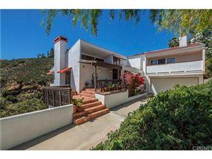 Photo of 61 HACKAMORE Lane, Bell Canyon, CA 91307 (MLS # SR18071273)
