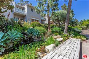 Photo of 28354 REY DE COPAS Lane, Malibu, CA 90265 (MLS # 18359276)
