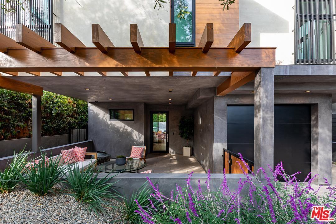 Photo of 9019 ELEVADO, West Hollywood, CA 90069 (MLS # 20554276)