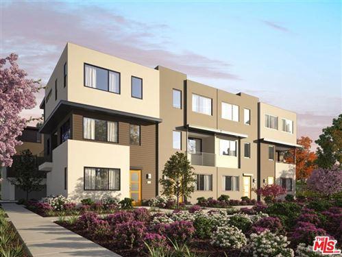 Photo of 18445 West CALICO Lane, Northridge, CA 91324 (MLS # 20544278)