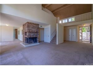 Photo of 610 TREE TOP, Thousand Oaks, CA 91360 (MLS # SR18073280)