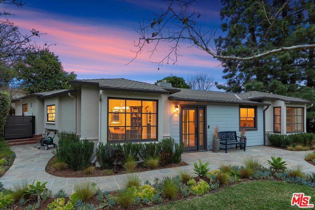 Photo of 4156 HAZELTINE Avenue, Sherman Oaks, CA 91423 (MLS # 20555280)