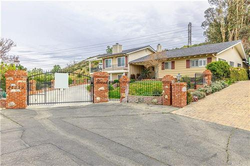 Photo of 24550 TREASURE VISTA Avenue, Newhall, CA 91321 (MLS # SR20055282)