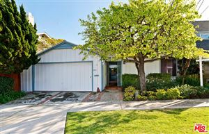 Photo of 424 LOMBARD Avenue, Pacific Palisades, CA 90272 (MLS # 19440288)