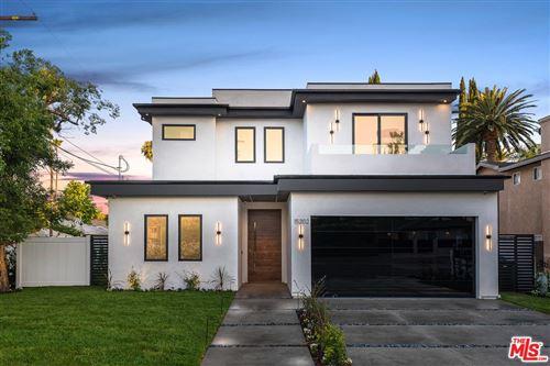 Photo of 15202 HARTSOOK Street, Sherman Oaks, CA 91403 (MLS # 19533290)
