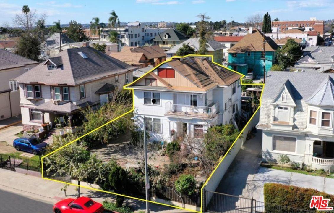 Photo of 1403 ARAPAHOE Street, Los Angeles , CA 90006 (MLS # 20557290)