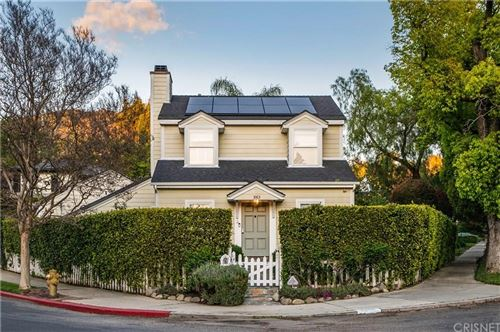 Photo of 3163 LA SUVIDA Drive, Los Angeles , CA 90068 (MLS # SR20066292)