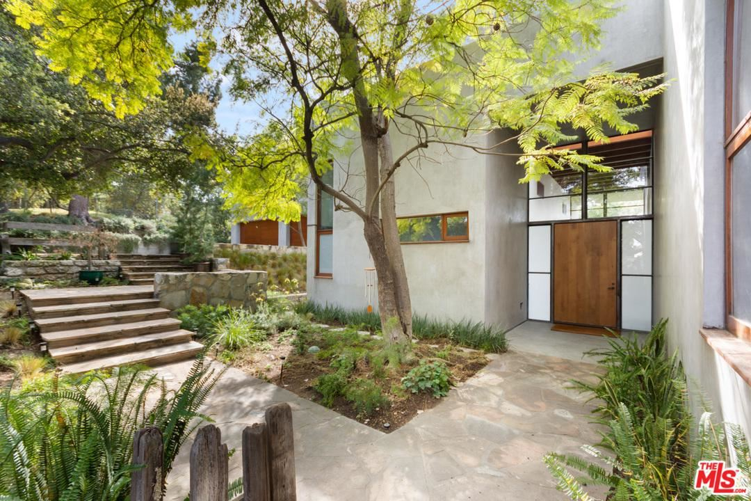 Photo of 3201 CANYON Lane, Beverly Hills, CA 90210 (MLS # 20561292)